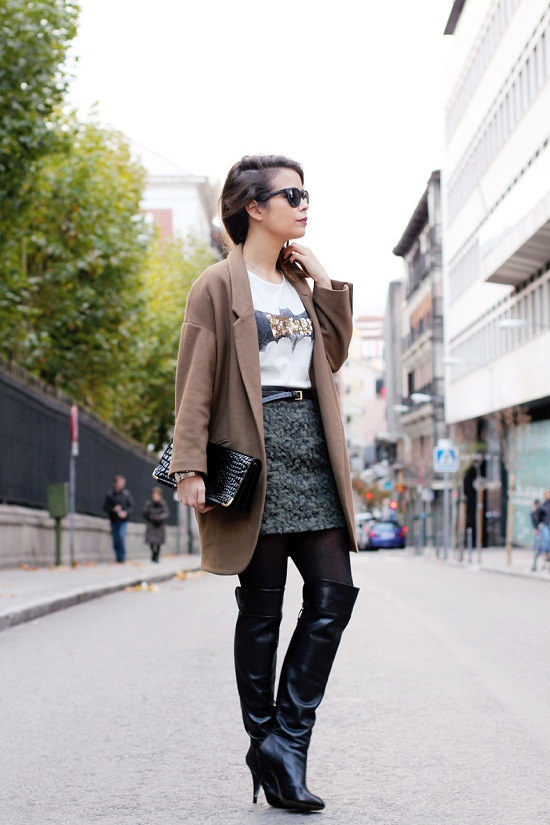 Batman_Top-high_Boots-over_the_Knee_boots-Street_style-outfit-8