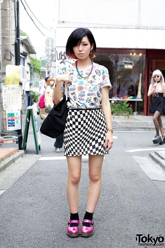 checkboard-print-skirt-street-style
