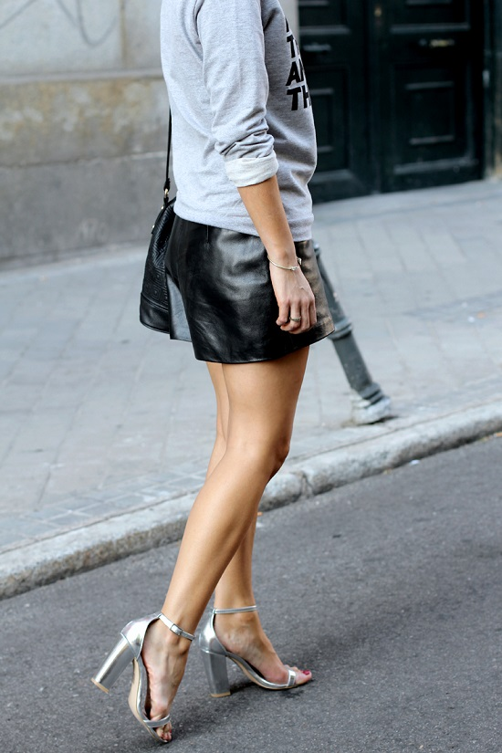 Aquestionof_Sweatshirt-Leather_Shorts-Silver_Sandals-Asos-Street_style-Outfit-13