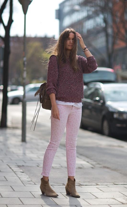 caroline-blomst-in-isabel-marant-ritchi-sweater