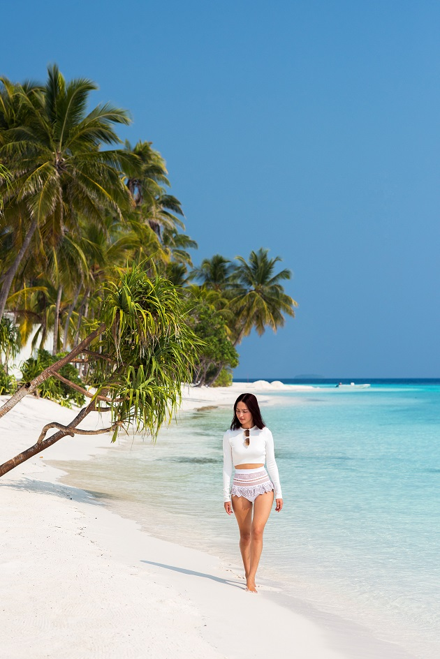 maldives-amilla-nicole_warne-luke_shadbolt-16