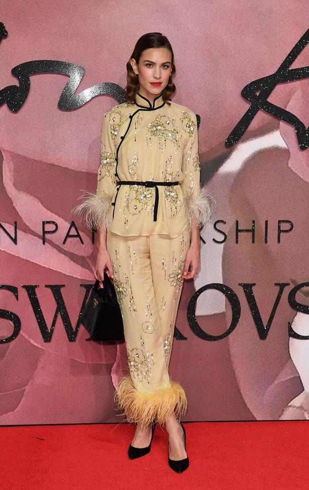 alexa-chung-the-fashion-awards-2016-01