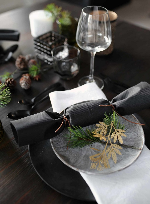 img_2073-christmas-table-setting