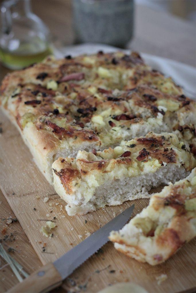 focaccia-patatas-bacon-gorgonzola