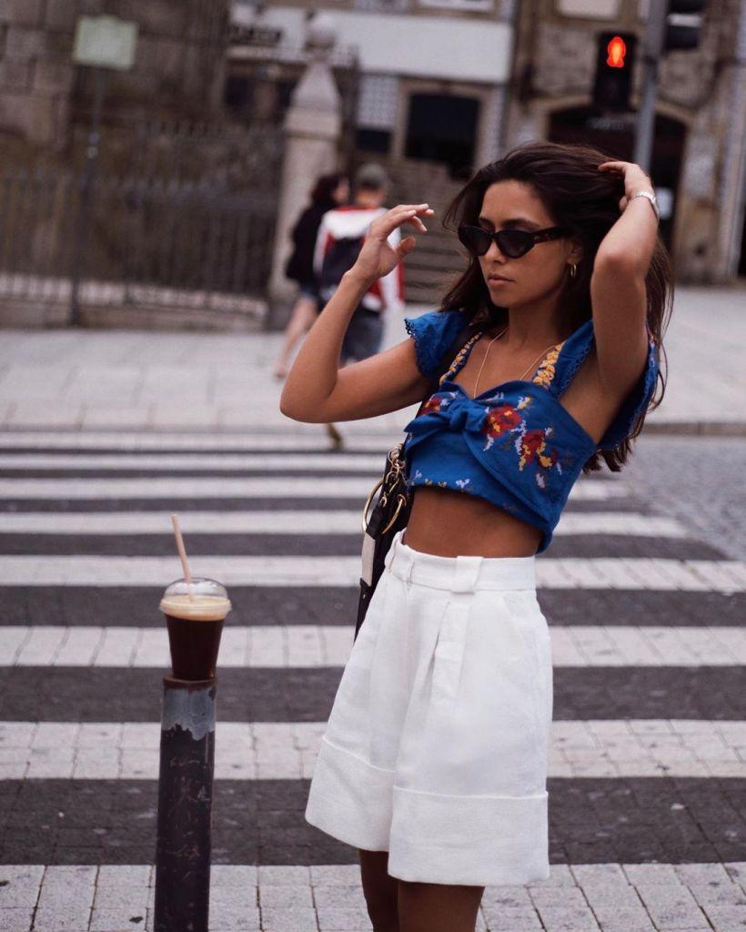 compras-verano-top-bordado-azul-uterque