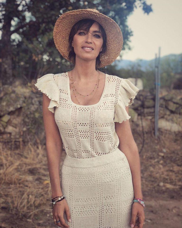 look-conjunto-crochet-uterqüe-sara-carbonero