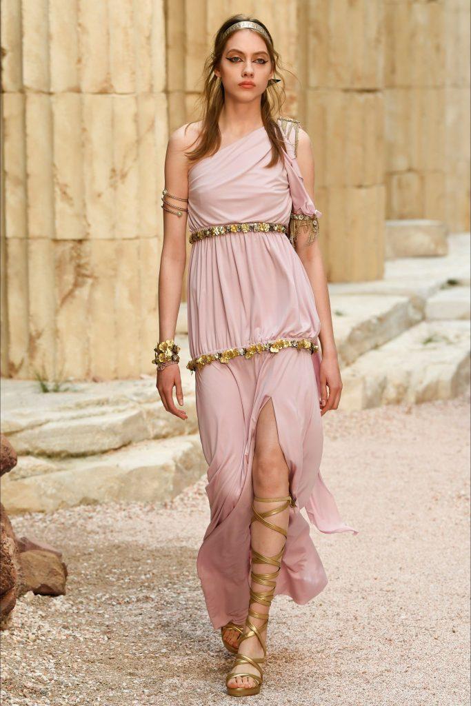 Look invitada vestido inspiración griega