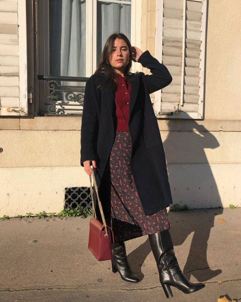 look-falda-estampada-botas